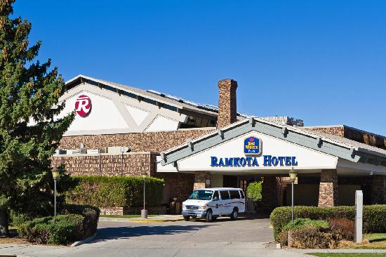 BEST WESTERN PLUS Ramkota Hotel