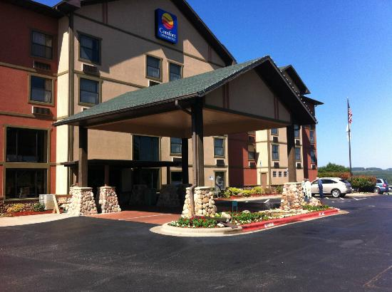 Comfort Inn & Suites Branson Meadows: Main Entrance