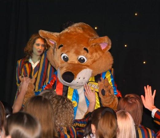 Burnham-On-Sea, UK: Come and meet Foxy in the free kid's club