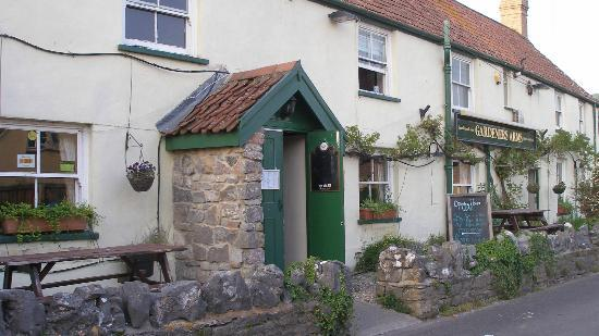 Cheddar, UK: The door to the pub