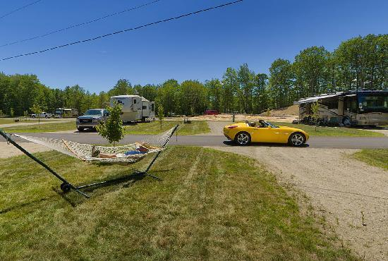 Powder Horn Family Camping Resort: Large, RV Sites