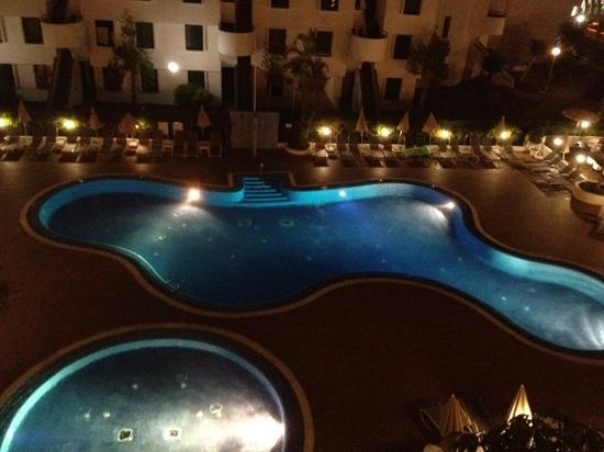 Sunprime Coral Suites And Spa: view from balcony at night