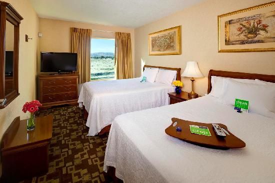 Hampton Inn & Suites - Palm Desert: 2 Queen 1-Bedroom Suite