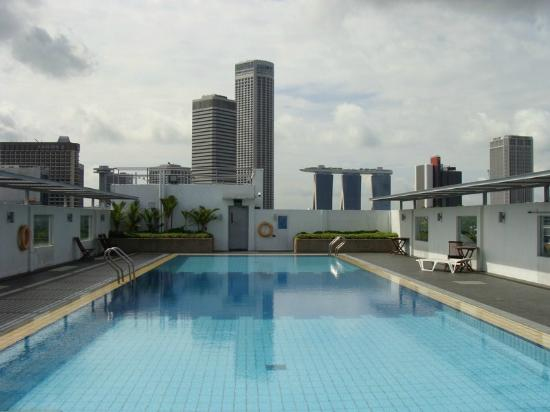 View of singapore skyline from the pool area picture of ymca one orchard singapore tripadvisor - Singapur skyline pool ...