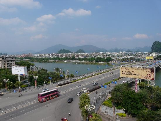 Universal Guilin Hotel: View over Li River