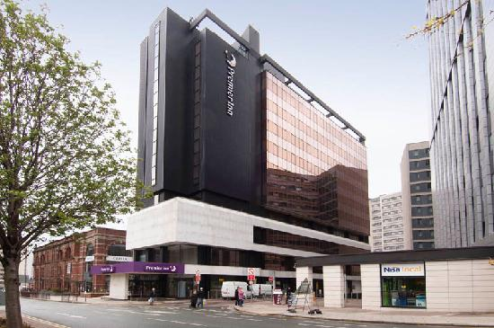 Premier Inn Leeds City Centre Leeds Arena: Claypit lane view