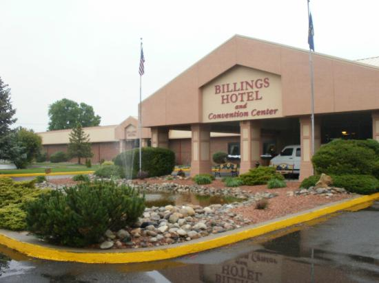 Billings Hotel & Convention Center: Front of Hotel