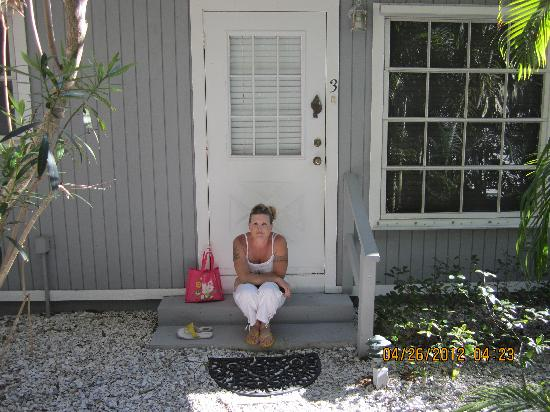Seahorse Cottages: front step