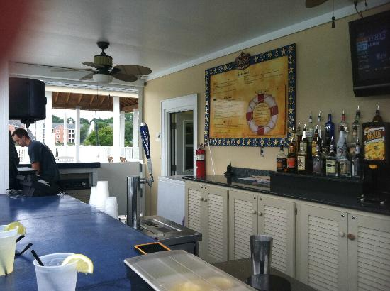Harbour Lights Resort: Bar