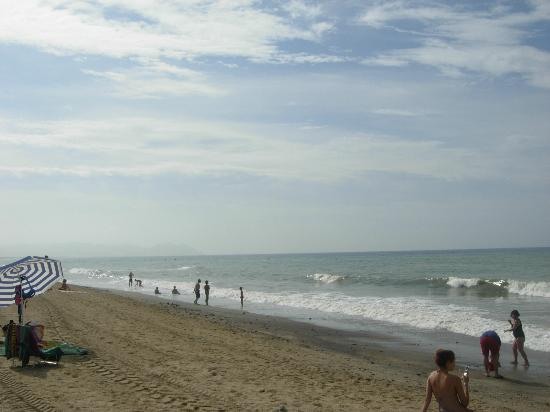 Retamar, Spain: Playa frente al hotel