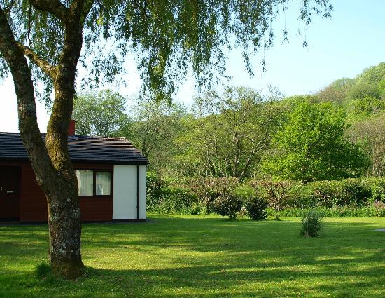 Notter Mill Country Park: Spacious Grounds
