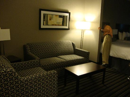 BEST WESTERN PLUS Austin Airport Inn & Suites: Dad setting the air; here is the sofa-bed in the sitting area.