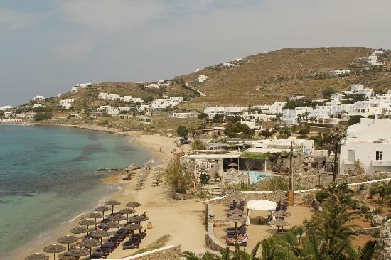 Mykonos Grand Hotel & Resort: View of beach