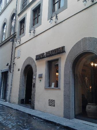Hotel Benivieni: ingresso