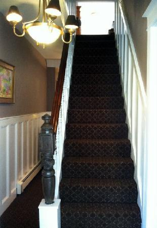 The Elephant Walk Inn: Main Staircase
