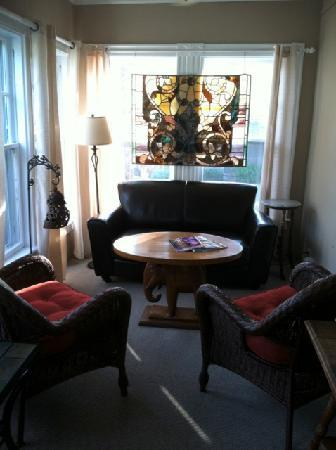 The Elephant Walk Inn: Sun Room