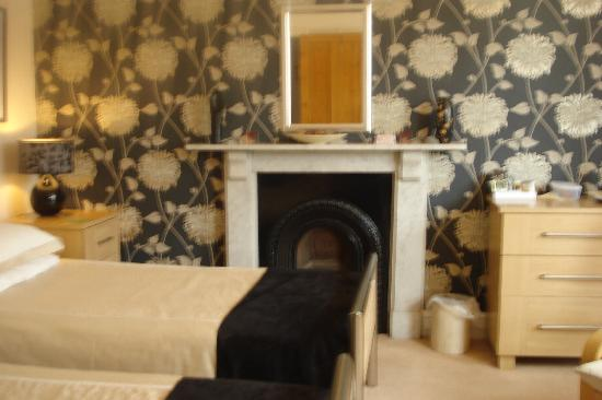 Highgate House: Bedroom 2 ( twin room )