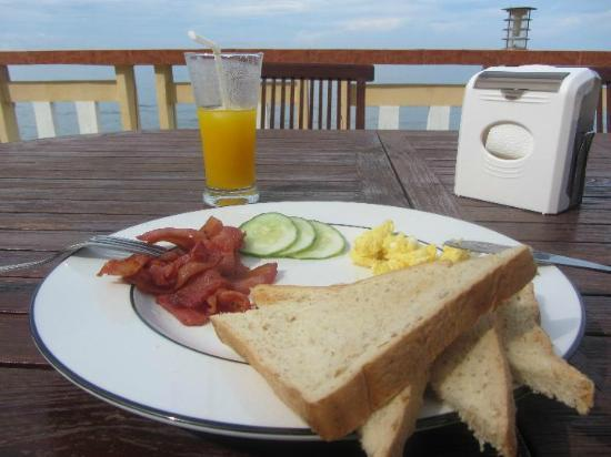 Jaimees Hotel & Resort: breakfast  ( 1 of many choices)