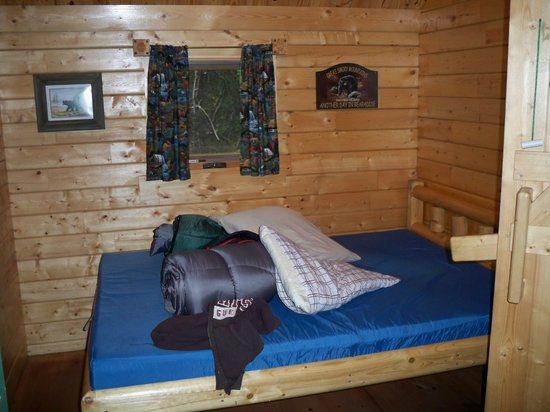 Townsend / Great Smokies KOA:                   front bedroom