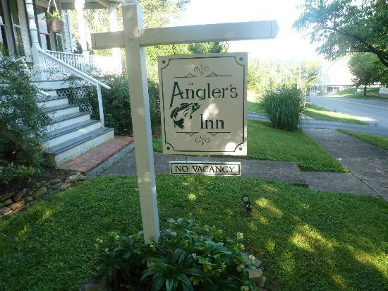 The Angler's Inn Bed and Breakfast: The sign