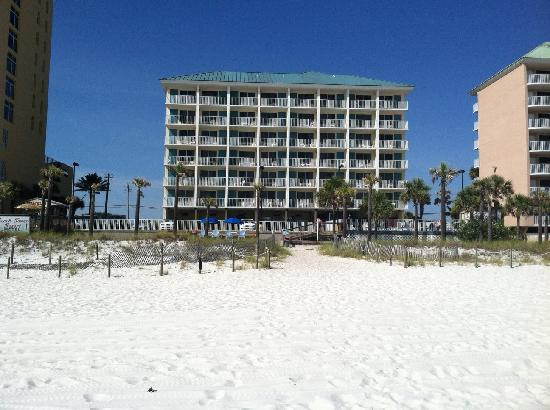 Beach Tower Resort Motel: Beachside View