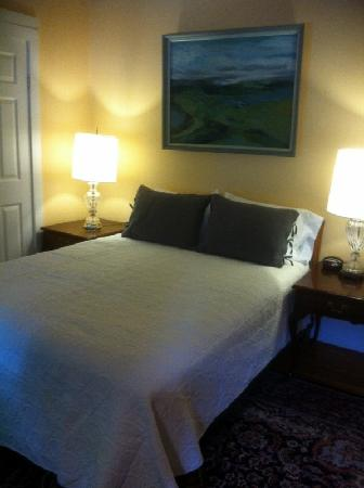 The Elephant Walk Inn: Room 4