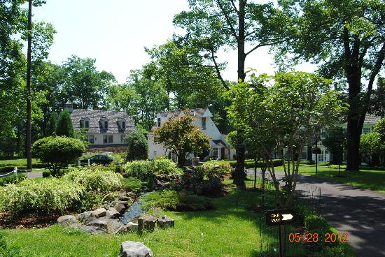 The Inn at Bowman&#39;s Hill : grounds... 