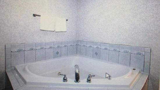 Comfort Inn Near High Point University: King Jacuzzi