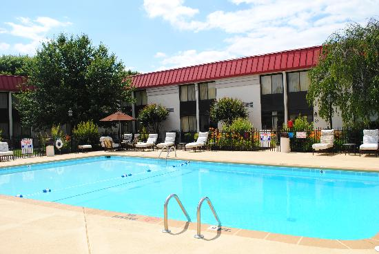 Village Inn Event Center: Our beautiful outdoor pool