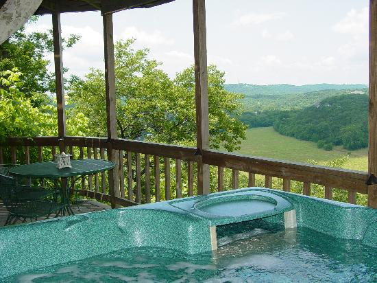 Cameron's Crag Bed & Breakfast: View from Bird's Eye View Suite deck