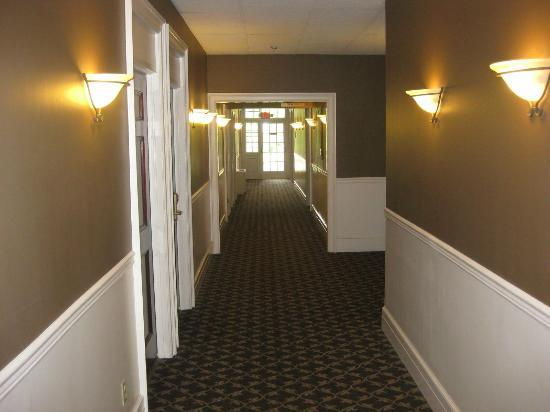Spokane Club Inn: Hallway on 2nd Floor