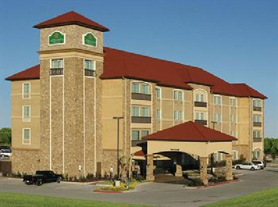 La Quinta Inn & Suites Allen at The Village: La Quinta Inn & Suites at the Village