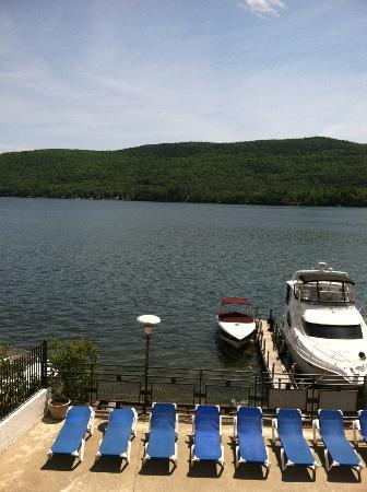 Lake Motel: View from the hotel balcony