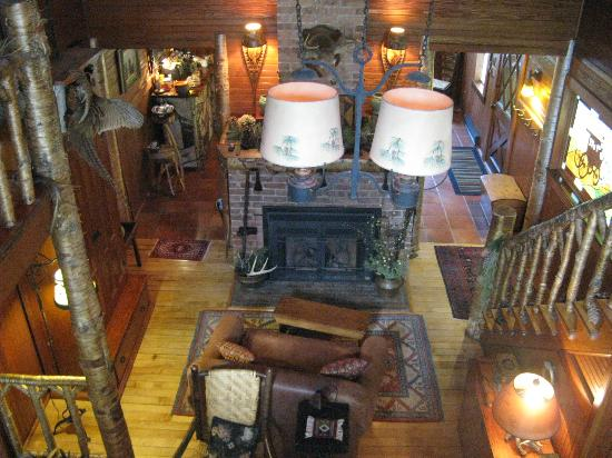 Stagecoach Inn: The View from the Upper Level of the House