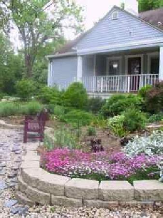 ‪River Gardens Bed and Breakfast, LLC‬