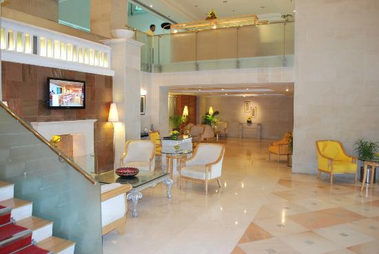 Country Inn & Suites By Carlson, Jaipur: The Lobby