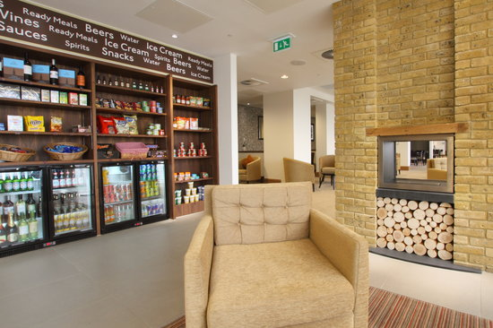 Staybridge Suites London-Stratford City: The Pantry
