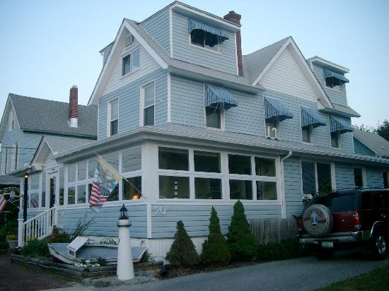 Lighthouse Inn Bed & Breakfast: Lighthouse Inn B&B Rehoboth Beach