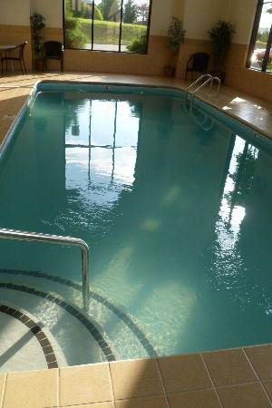 Country Inn & Suites, Knoxville Airport: Pool