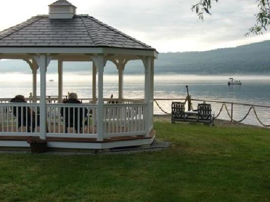 Keuka Lakeside Inn: getlstd_property_photo