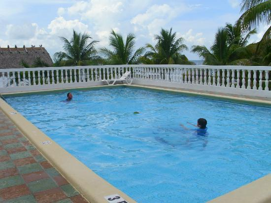 Gulf View Waterfront Resort: pool