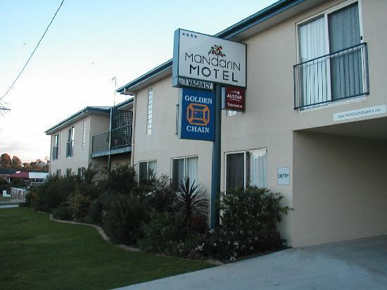 Mandarin Motel