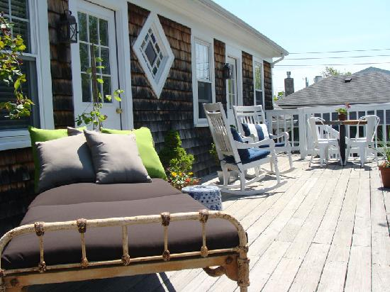 ‪‪Salt House Inn‬: The 2nd Floor Sun Deck‬