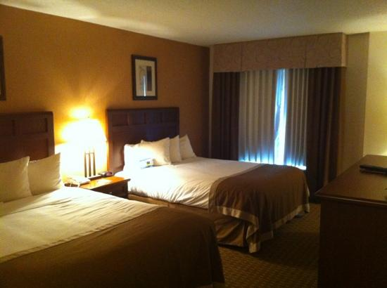 Baymont Inn & Suites Branson-On the Strip: room 303