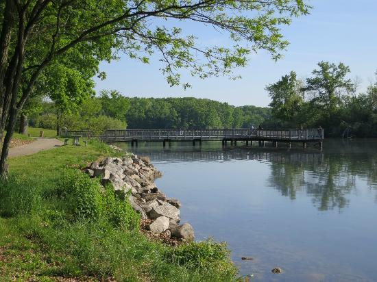 Fishing pier on kent lake in the metropark picture of for Milford lake fishing report