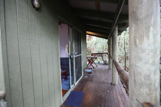 Hunchy Hideaway: VERANDAH