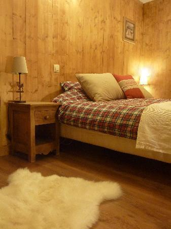 ‪Bluebird Chalets - Chalet Chavants‬