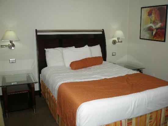 Bakhos Suites Hotel