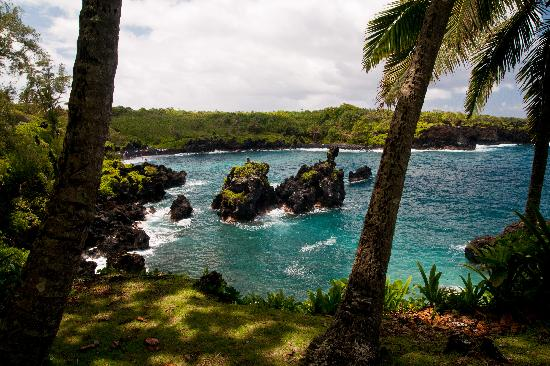 Wai'anapanapa State Park: Approaching the Beach