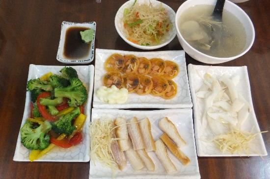 Luckynews Classic Hotel: Food Near Hotel - This at NT270